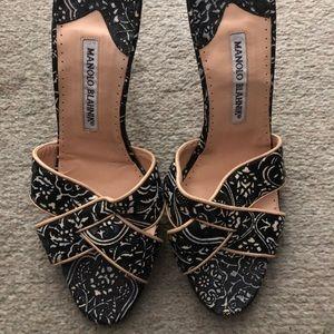 Manolo Blahnik Size 39/40 Open Toe Sandals!